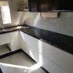 encimera en una cocina pequeña